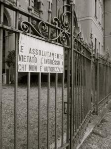 jennifer allison, black and white gate of Milan