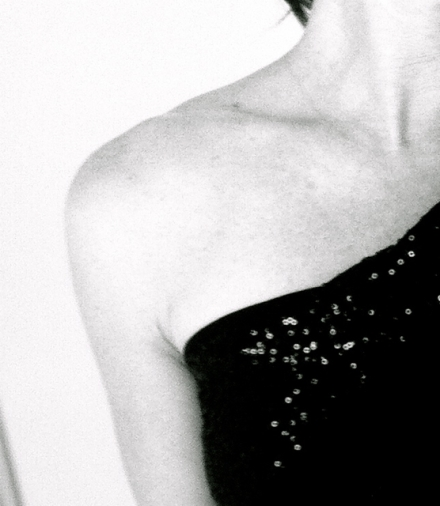 Décolletage girl - Jennifer Allison